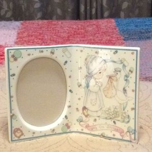PRECIOUS MOMENTS New Baby Frame